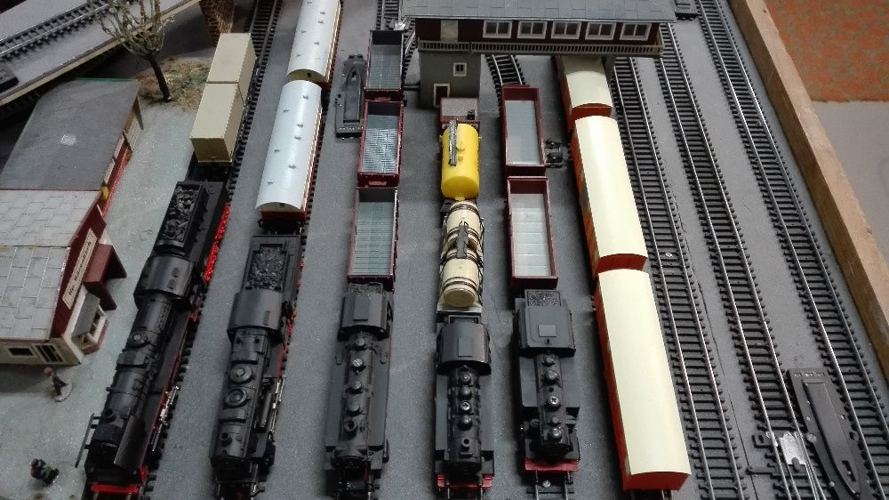 Парни локомотиви и вагони за електрически влакчета ТТ Пико / Piko