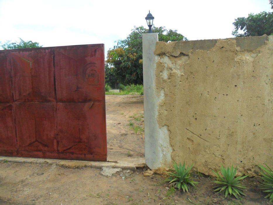 vende se propriedade 20x30 m no bairro de chiango/cidade maputo