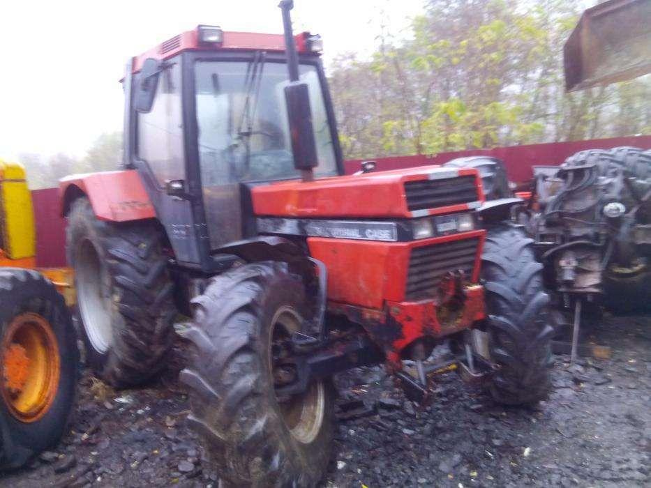 Dezmembrez Tractor IHC 956 XL
