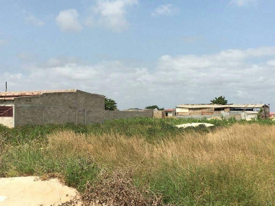 Vende-se terreno no Otódimo Benfica/Ramiro com área útil de 920m2