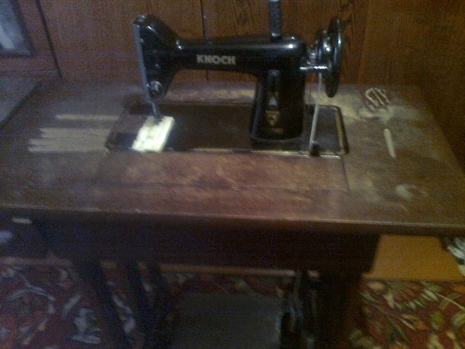 Швейная машина Knoch 1860 г. выпуска.