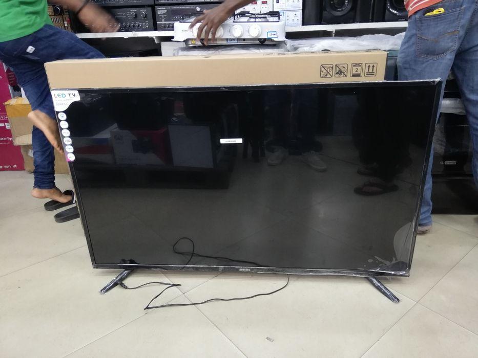 TV Samsung 32 LED