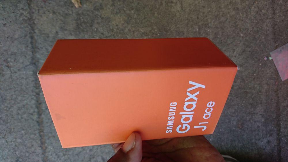 Samsung galaxy J1 ace celado na caixa Alto-Maé - imagem 2