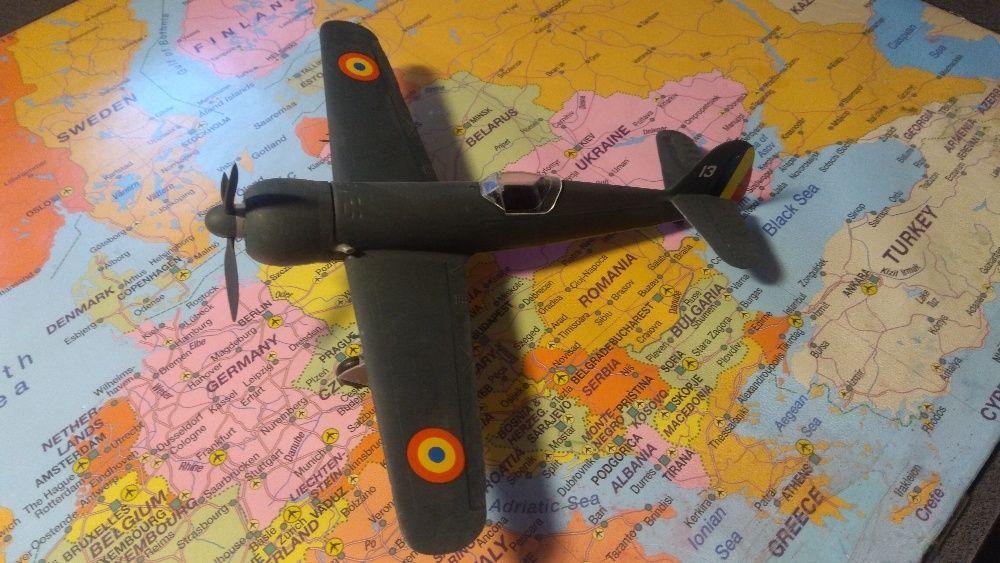 Macheta avion IAR-80