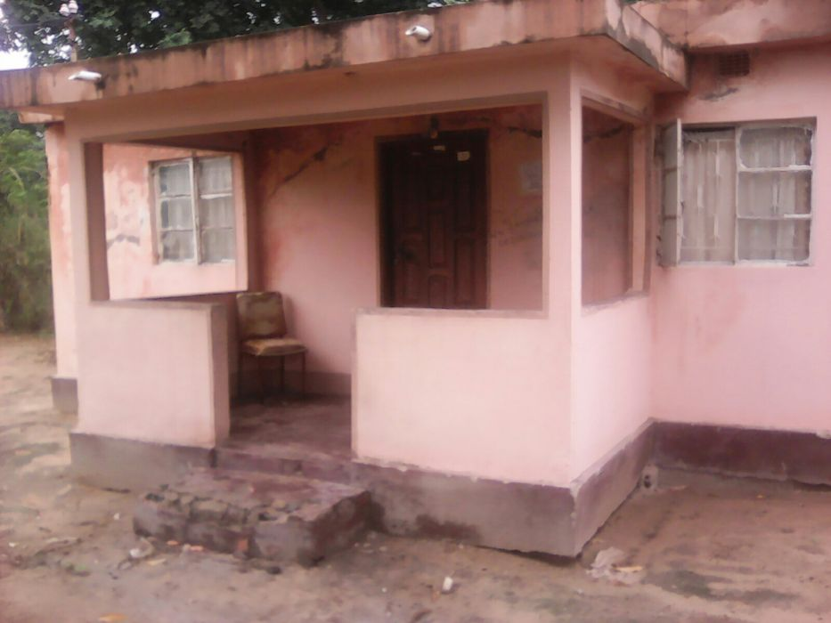 Casa tipo 1 num espaço de 15/30 parcelado em tsalala