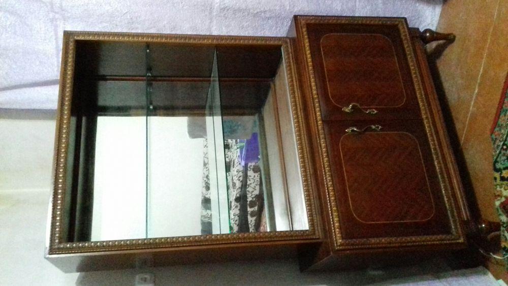 Антикварная мебель (сервант)