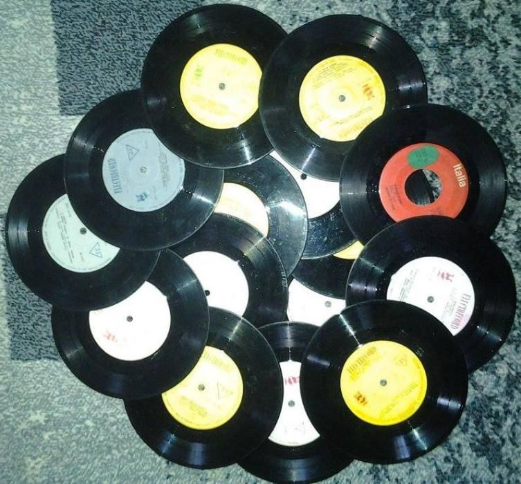 """Vinil/vinyl uri mici,7"""" pt ornament, decor ,1,5 lei bucata"""