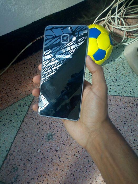 Samsung galaxy A7 (2016) ainda novo
