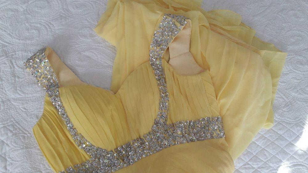 Бална рокля жълта с връзка корсет