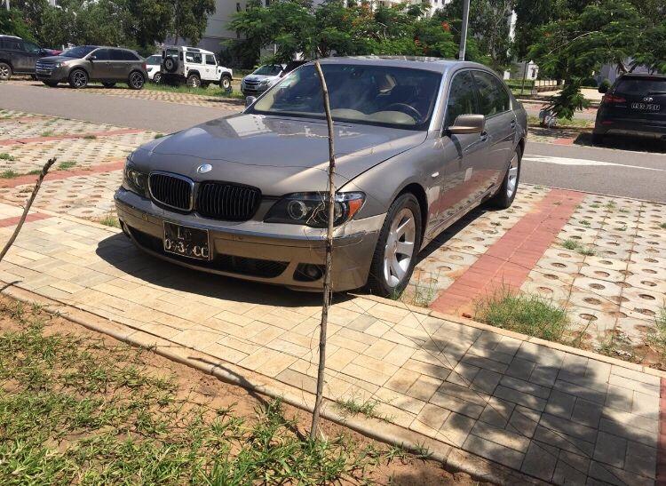 BMW série 7(750i) venha ver