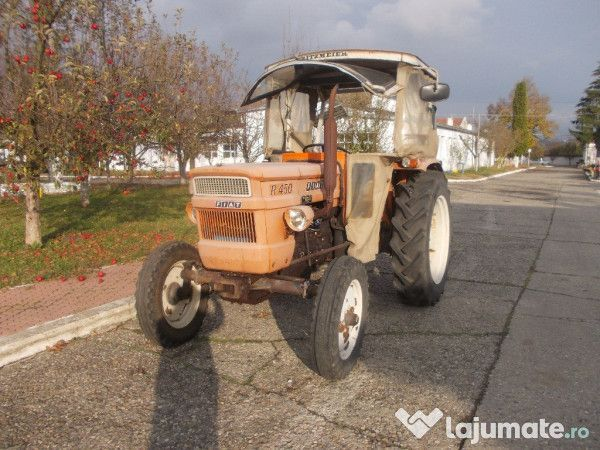 Tractor marca FIAT R 450