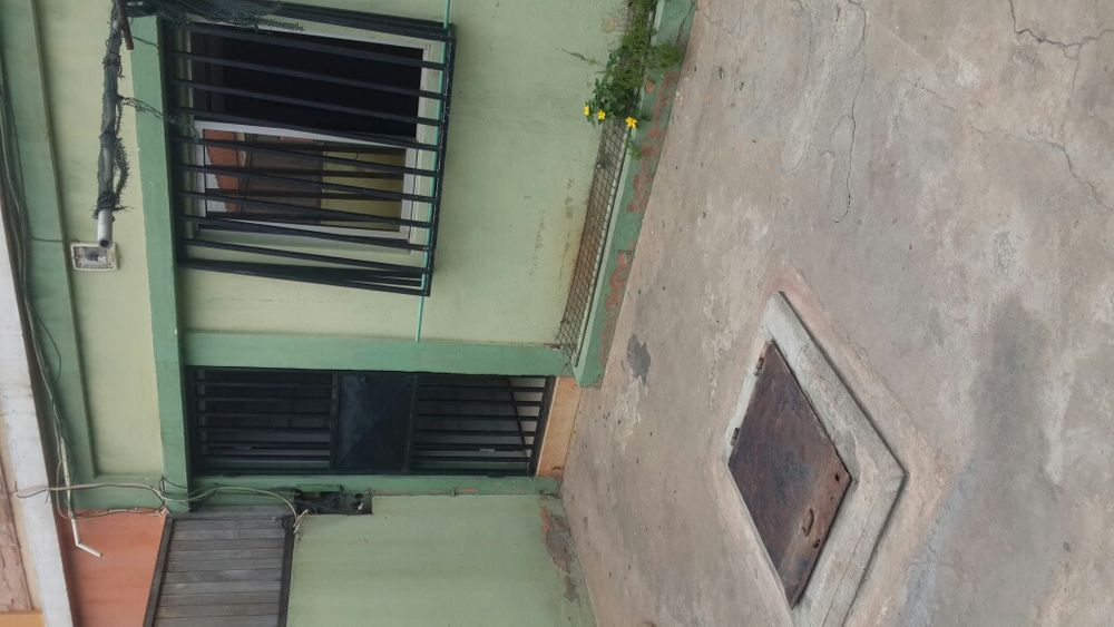 Vendo esta vivenda colonial T3 no Martires negociavel.