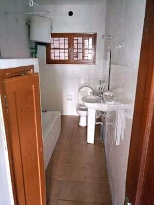 Arrendo apartamento tipo 2 no 1° andar perto do ispu