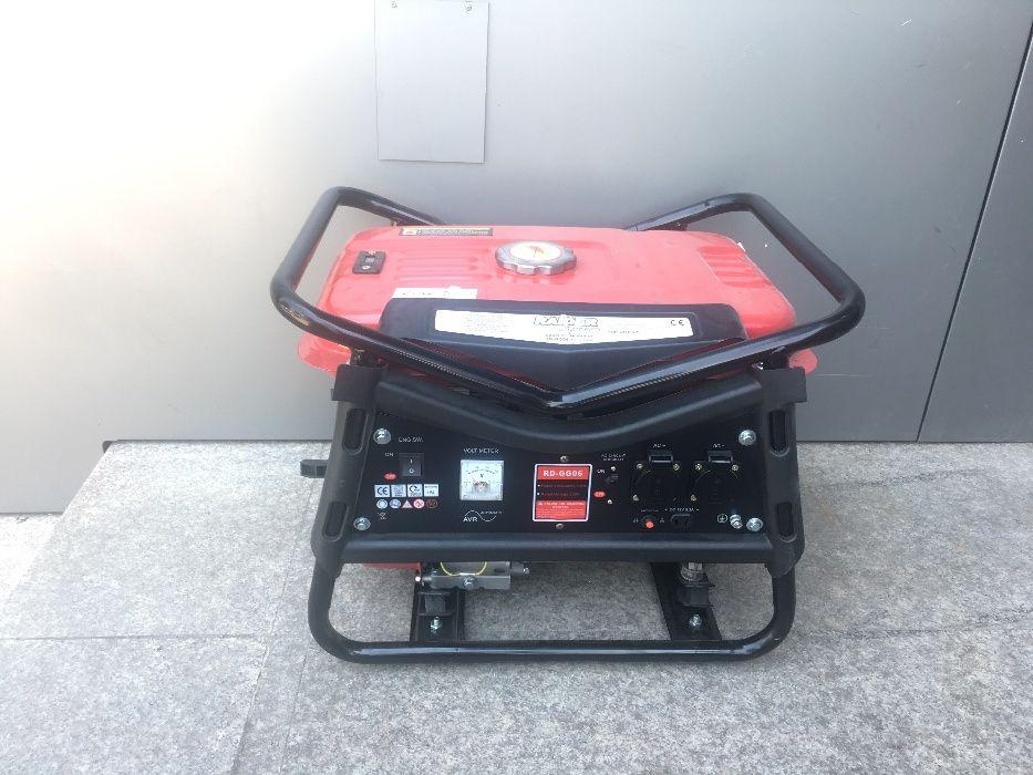 Генератор за ток бензинов 2.8kW RD-GG06