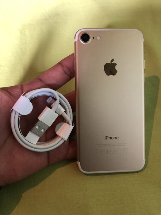 IPhone 7 32GB Gold super novo com cabo