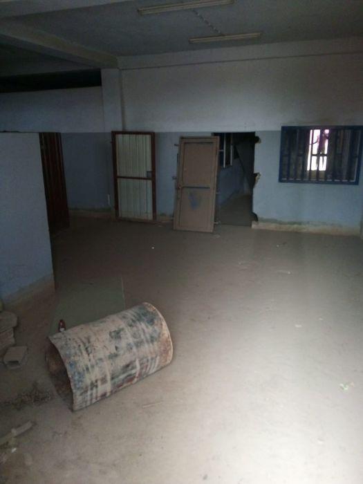 Vendemos Armazém Em Cacuaco Com 1.600 m²