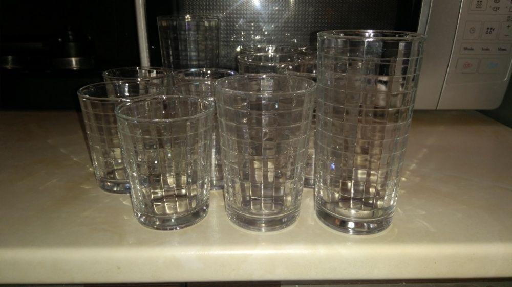Чаши за аператив, вода и какво ли не