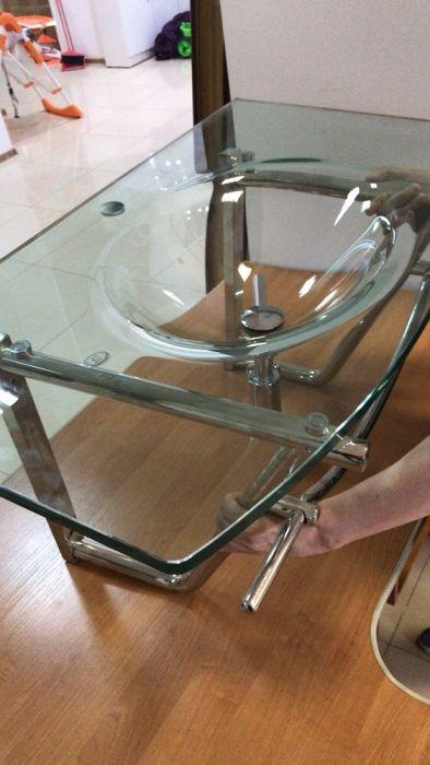 Продаю стильную оригинальную стеклянную раковину в ванную комнату.