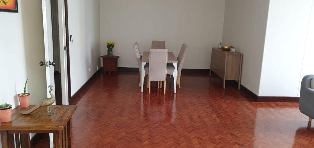 Arrendase flat t4 na polana rua Kassuende esquina com a Julius Nyerere Bairro - imagem 5