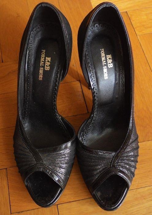 Блестящи сиви отворени обувки на висок ток