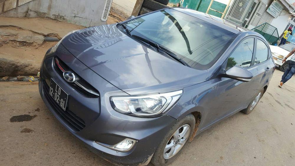 Hyundai accent limpo boas condições
