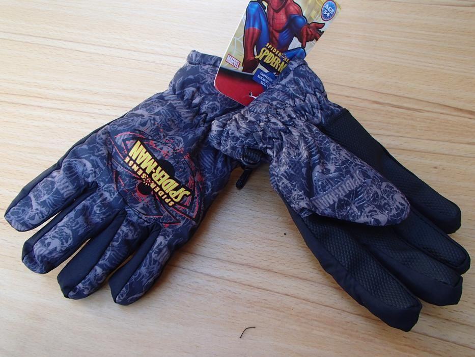 Продавам качествени детски водоустойчиви ръкавици с пръсти Spyderman