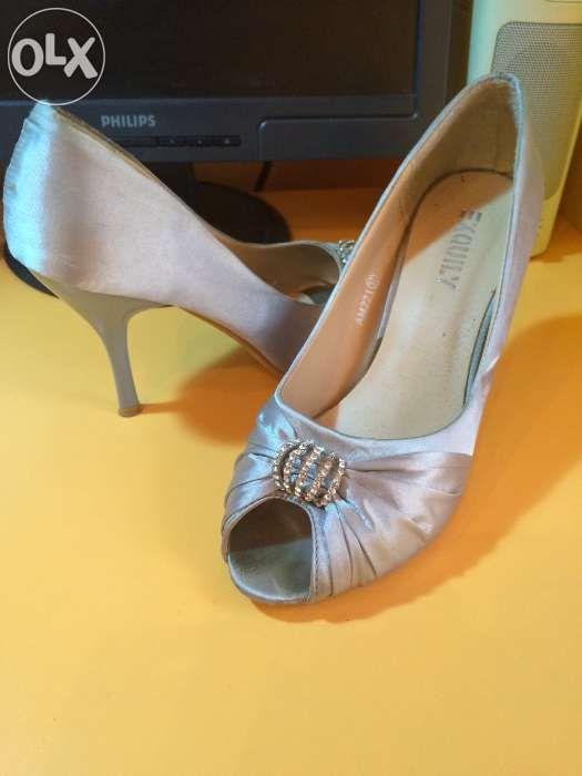 Pantofi cu toc, argintii