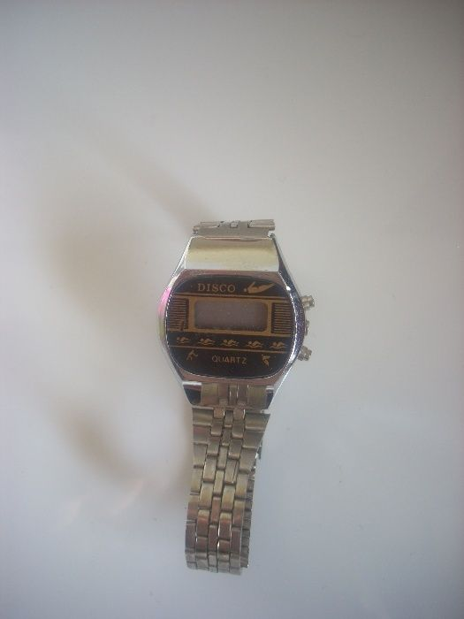 Дамски Електронен Часовник от 80-те год.