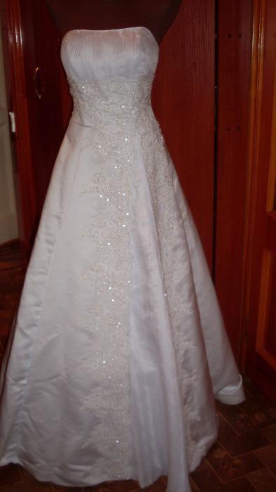 Свадебное платье неодеванное