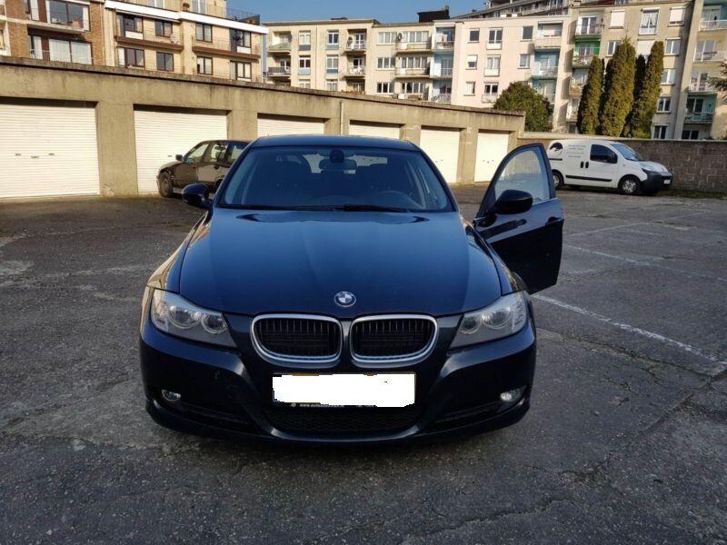 Dezmembrez BMW seria 3 E90 facelift 2.0D 2011