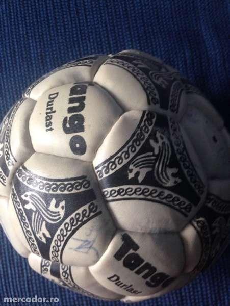 Mingie fotbal cu semnaturi celebre