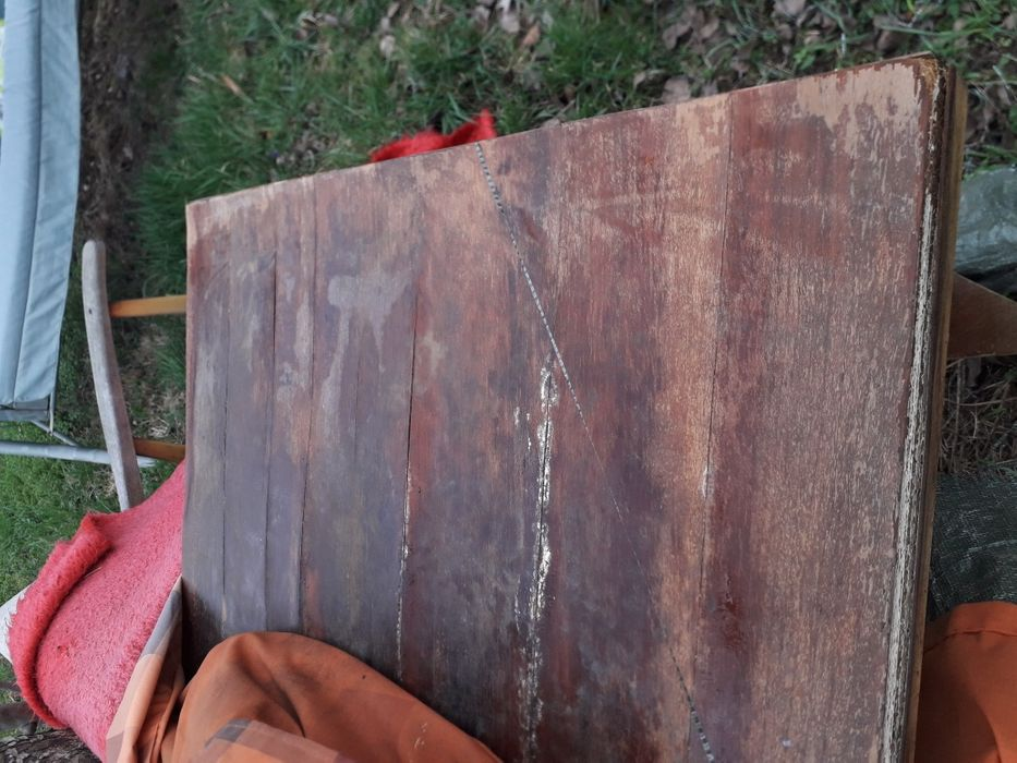 Masa mare de 8 persoane din lemn masiv