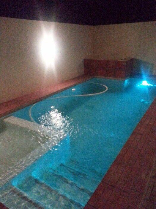Serviços de limpeza de piscina e de manutenção