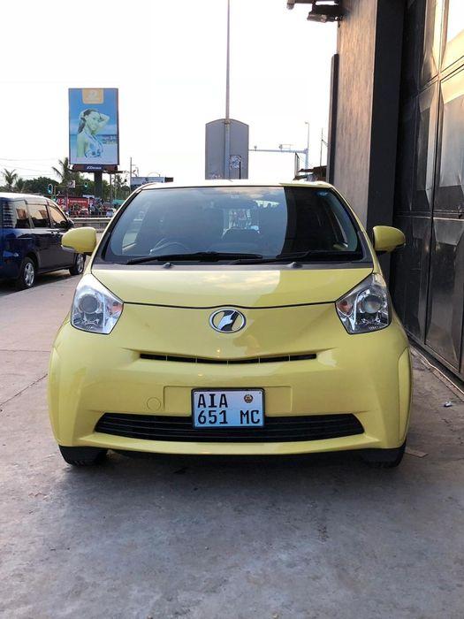 Toyota IQ novinho recém importado