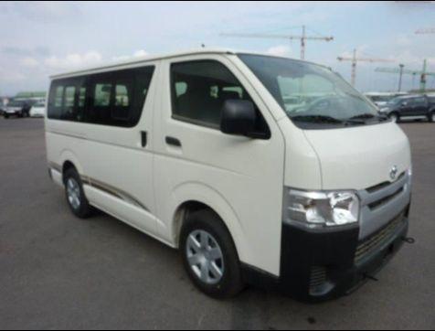 Toyota Hiace disponível