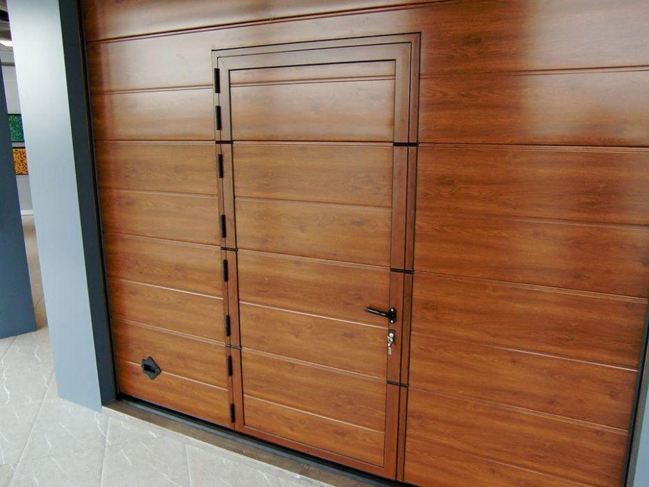 Uși de garaj secţionale izolate 4000*3000 *facute din pasiune
