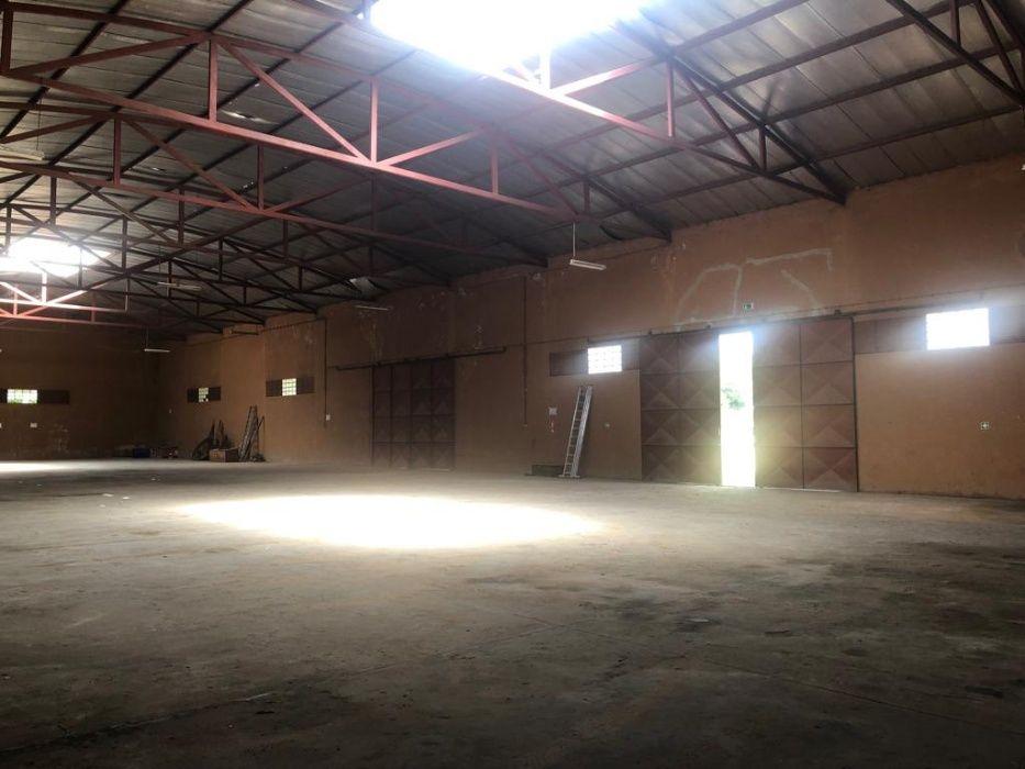 Vende-se e aluga-se Armazem na Machava Bairro - imagem 8