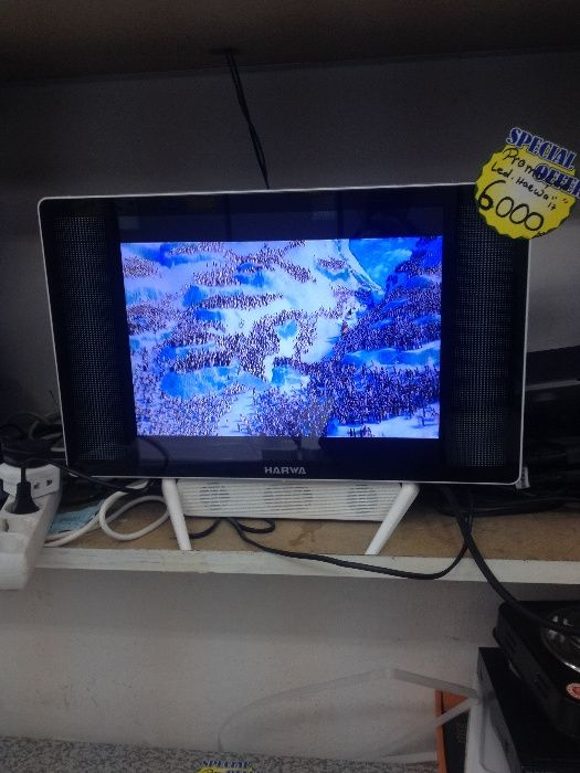 Vendo tv led 17 polegadas da marca harwa novo na caixa e garantia