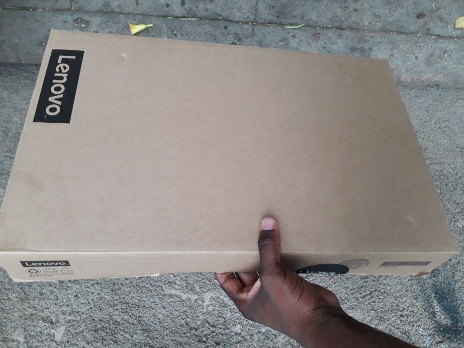 Lenovo i5 IDEAPAD 110-15ISK na caixa