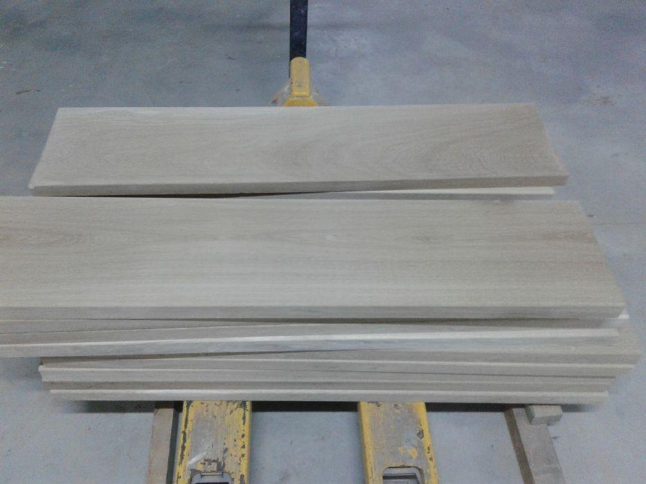 Producem si comercializam trepte din lemn masiv de STEJAR