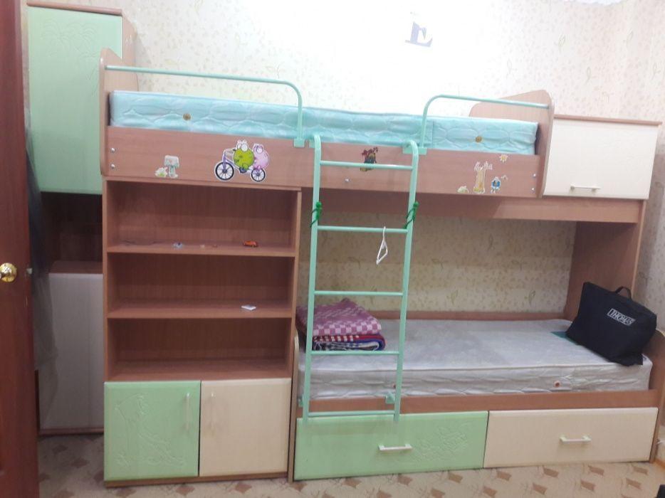 Кровать двухярусная. Мебель в детскую комнату