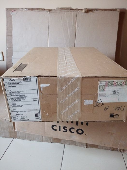 Vendo Cisco Switch 3750 V2 24 PS PoE novo, caixa selada.
