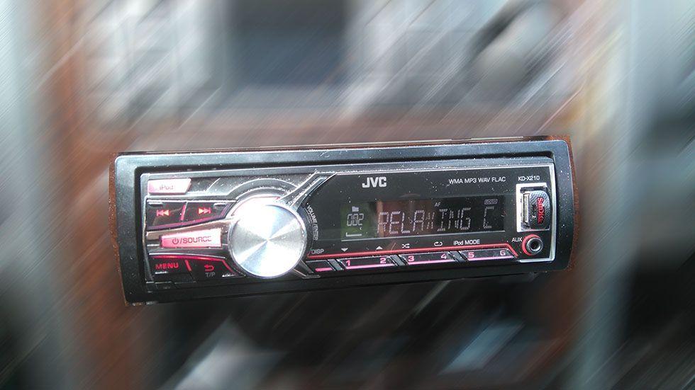 JVC KD-X210 MP3/WAV/WMA/FLAC авторесиивър
