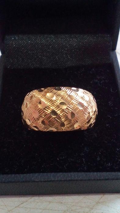 Золотое кольцо! 750 - проба, 18 - карат! Женское кольцо 750 проба!