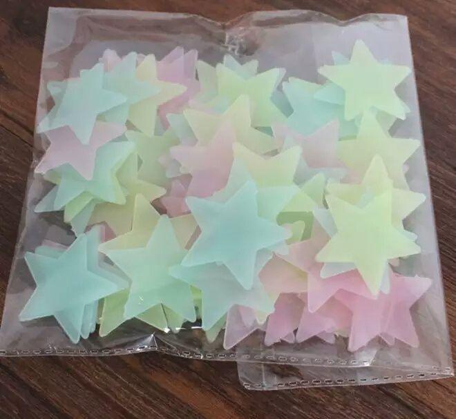 50 Estrelas Fluorescentes (brilham no escuro) - decorativas Malhangalene - imagem 1