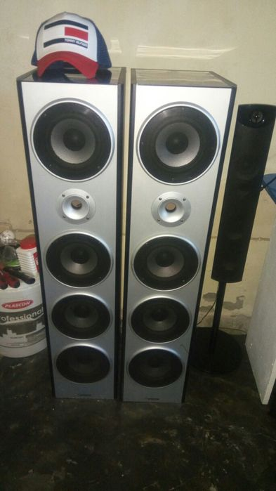 Sansui speakers 8000watts PMPO, full high quality limpas