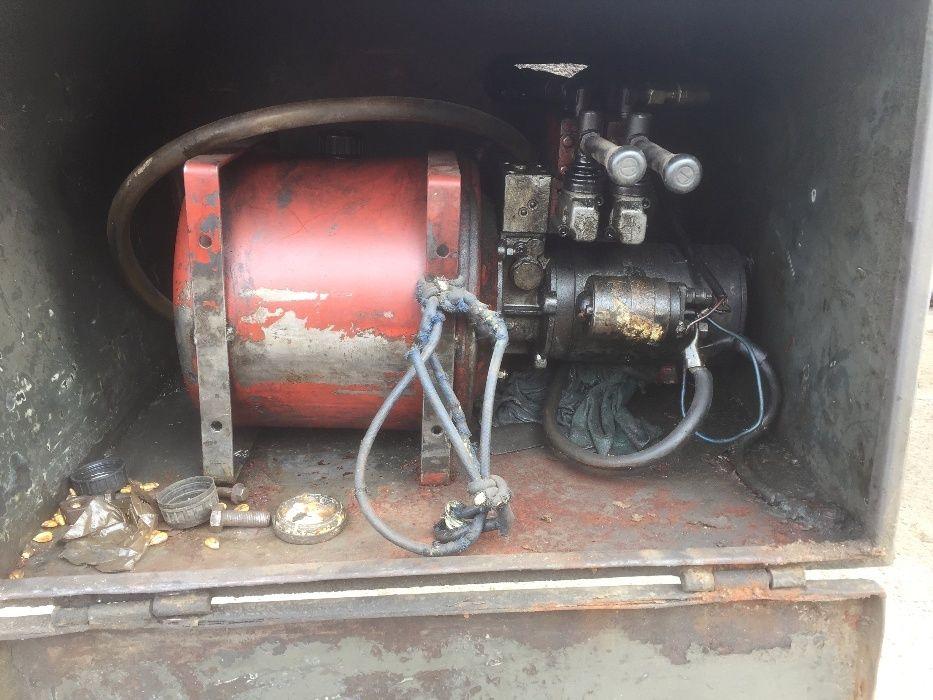 Sistem hidraulic de ridicare si 4 cilindrii
