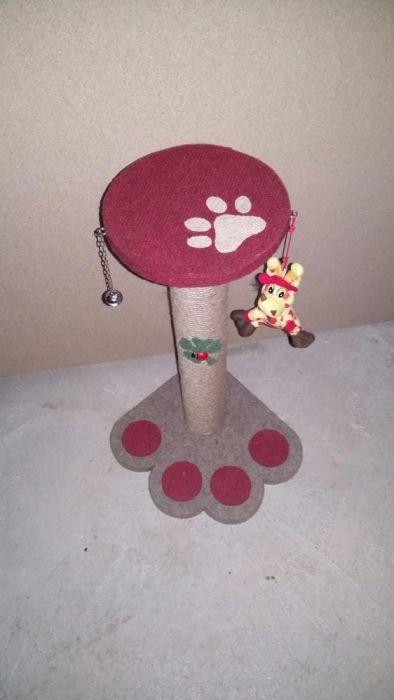 Sisal pentru zgariat(accesorizat cu jucarii pt pisici) Pitesti - imagine 2