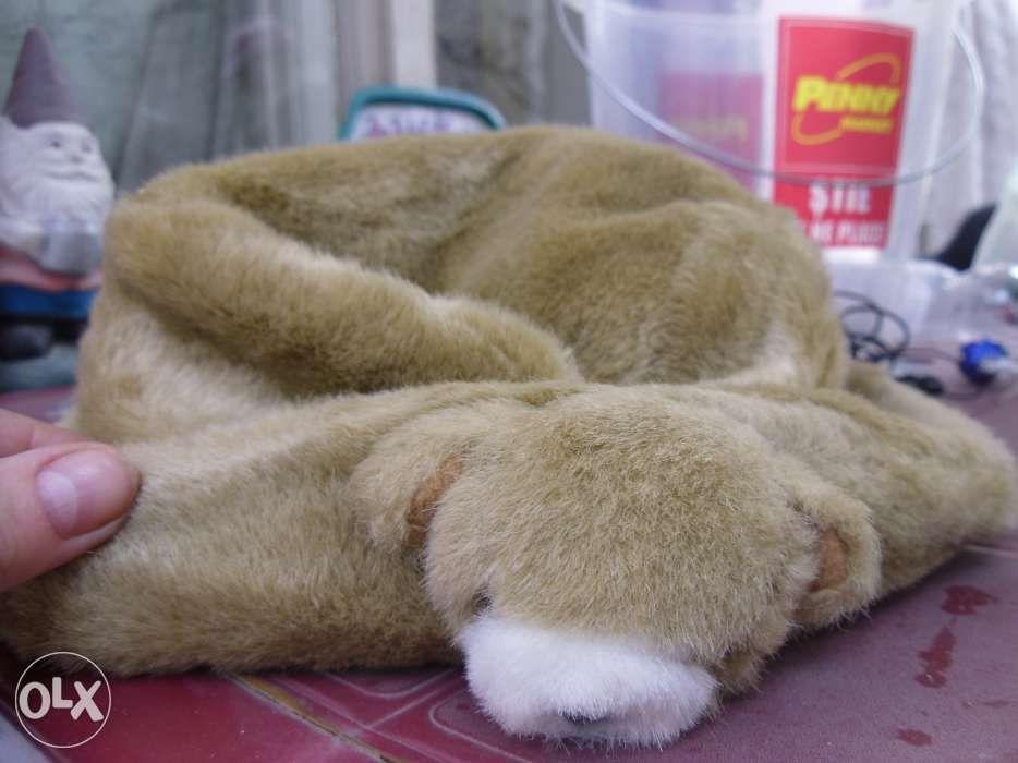 caciula blana cu model ursulet