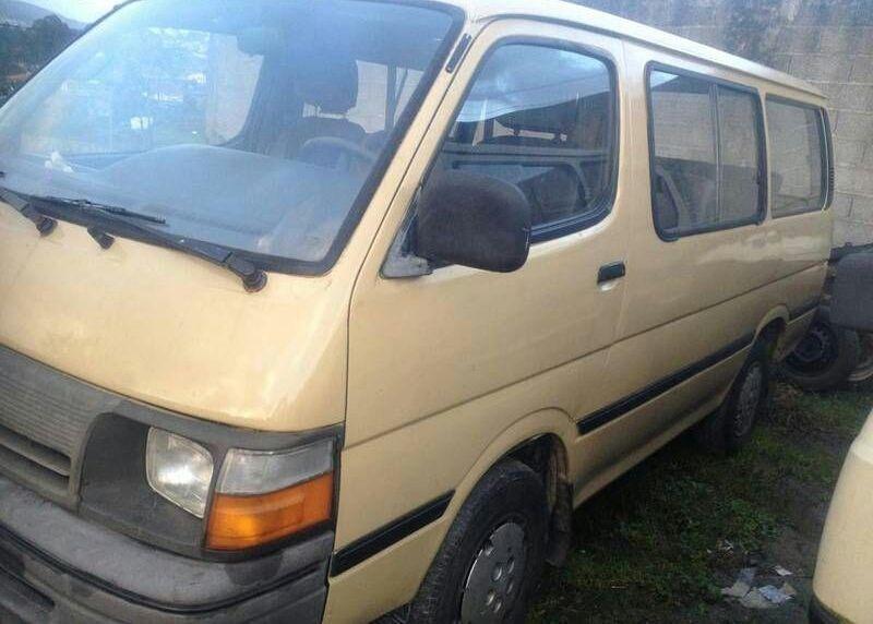 Toyota commuter Noqui - imagem 2